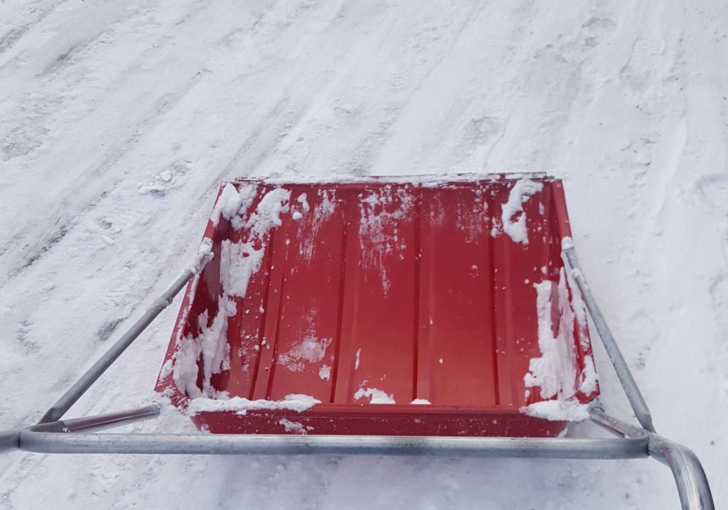 Snømåking og strøing Harald hjelper deg